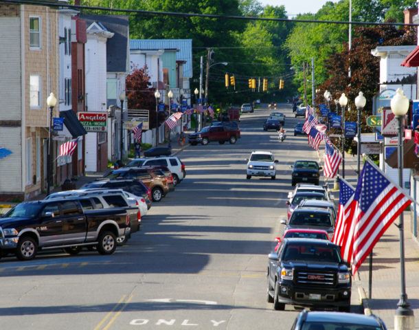 Downtown Millinocket Maine (Photograph: Thierry Bonneville)