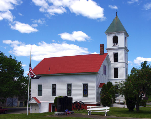 Town of Sherman Maine: Church and Old Zach Cannon (Photograph: Thierry Bonneville)