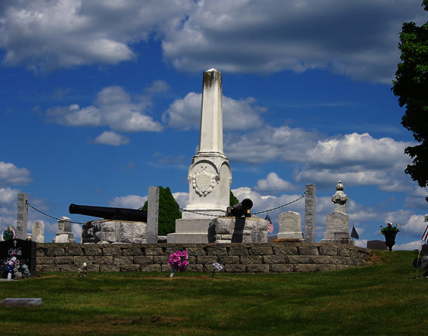 Sherman Maine - Civil War Memorial (Photograph: Thierry Bonneville)